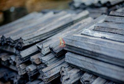 Sawdust briquettes charcoal (compressed)